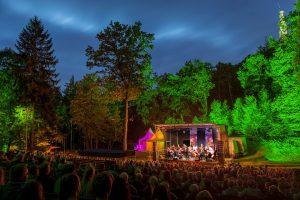 Musik, Mond und Sterne – Ensemble Vinorosso auf der Waldbühne