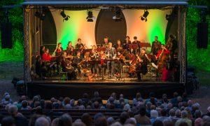 Bilder vom Konzert des Ensembles Vinorosso auf der Waldbühne